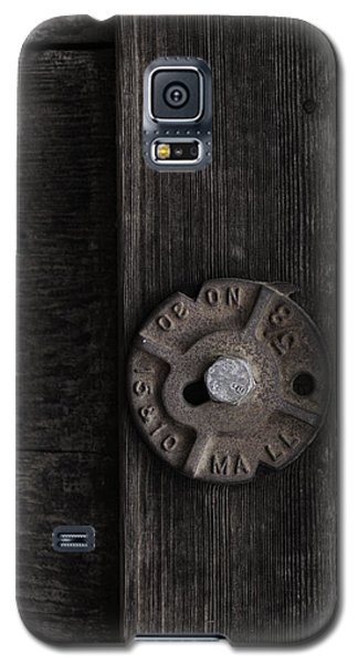 Weathered Wood And Metal Two Galaxy S5 Case by Kandy Hurley