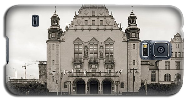 West Facade Of Adam Mickiewicz University Poznan Poland Galaxy S5 Case