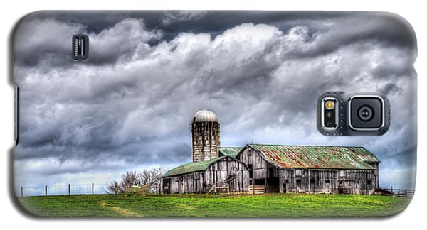 Galaxy S5 Case featuring the photograph West Virginia Barn by Steve Zimic
