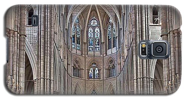 Galaxy S5 Case featuring the photograph Westminster Abbey by Digital Art Cafe
