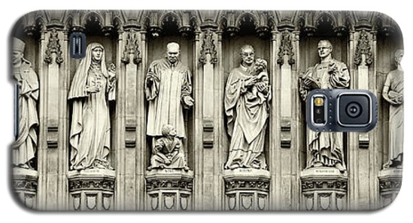 Galaxy S5 Case featuring the photograph Westminster Martyrs Memorial - 1 by Stephen Stookey