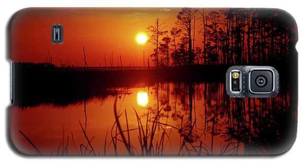 Galaxy S5 Case featuring the photograph Wetland Sunset by Robert Geary