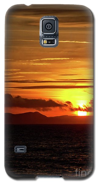 Galaxy S5 Case featuring the photograph Weymouth Sunrise by Baggieoldboy