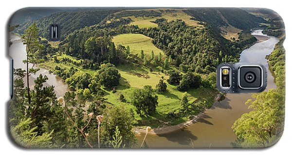 Galaxy S5 Case featuring the photograph Whanganui River Bend by Gary Eason