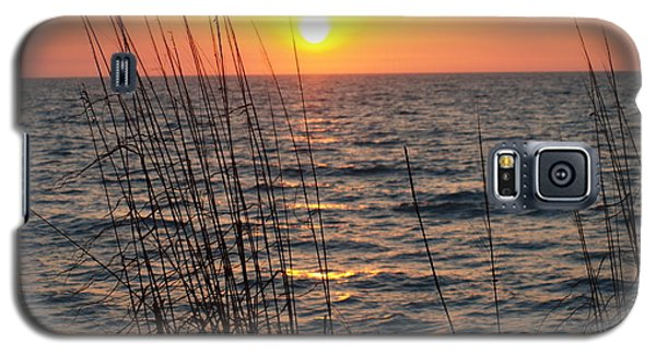 Galaxy S5 Case featuring the photograph What A Wonderful View by Robert Margetts