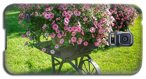 2004 - Wheel Barrow Full Of Flowers Galaxy S5 Case