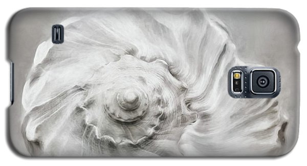 Galaxy S5 Case featuring the photograph Whelk In Black And White by Benanne Stiens