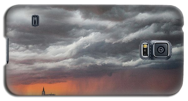 When Trouble Rises.....  Galaxy S5 Case by Shirley Heier