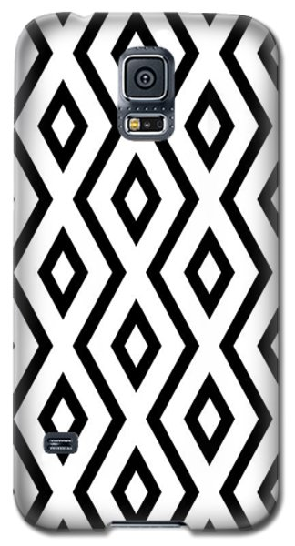 White And Black Pattern Galaxy S5 Case by Christina Rollo