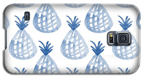 Garden Galaxy S5 Case - White And Blue Pineapple Party by Linda Woods