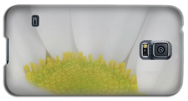Galaxy S5 Case featuring the photograph White Angel by Roy McPeak