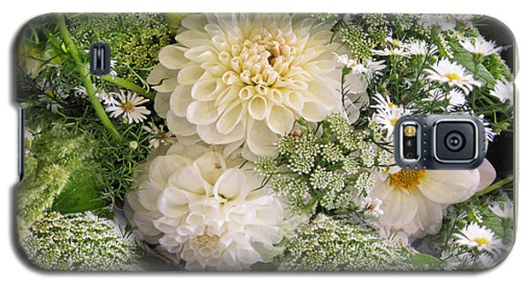White Anniversary Bouquet Galaxy S5 Case