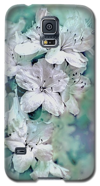 White Azaleas Galaxy S5 Case by Sandy Moulder