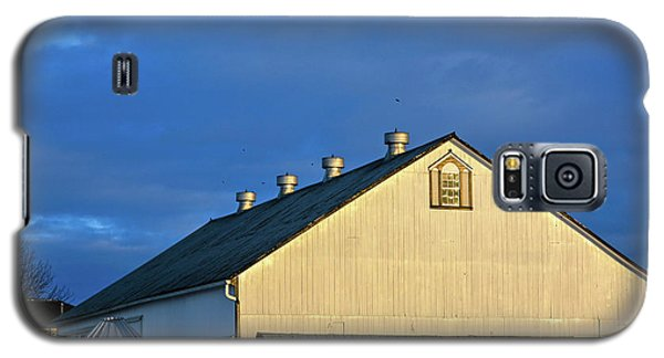 White Barn At Golden Hour Galaxy S5 Case