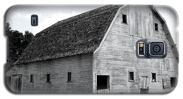 White Barn Galaxy S5 Case by Julie Hamilton