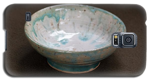 White Ceramic Bowl With Turquoise Blue Glaze Drips Galaxy S5 Case by Suzanne Gaff