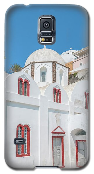 Galaxy S5 Case featuring the photograph White Church At Fira by Antony McAulay