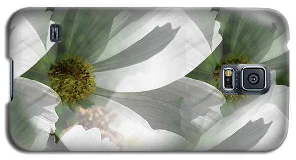 White Cosmos Petals Galaxy S5 Case