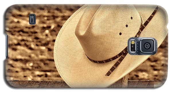 White Cowboy Hat On Fence Galaxy S5 Case