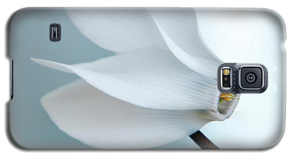 White Cyclamen. Galaxy S5 Case