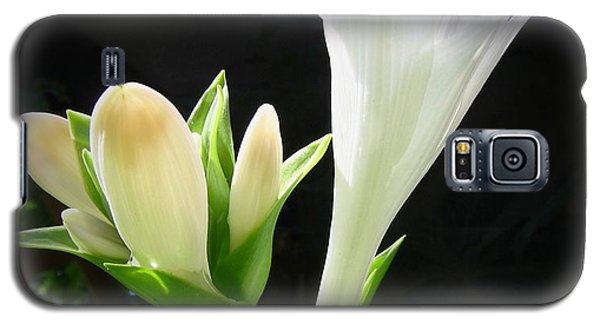 Galaxy S5 Case featuring the photograph White Hostas Blooming 7 by Maciek Froncisz