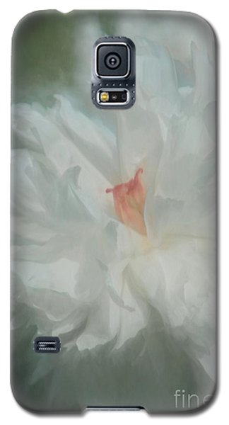 Galaxy S5 Case featuring the photograph White Peony by Benanne Stiens