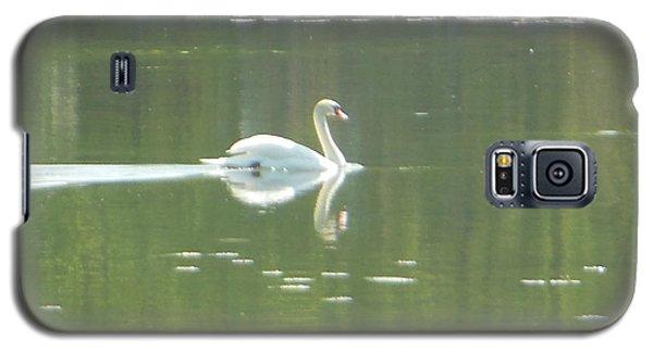 White Swan Silhouette Galaxy S5 Case