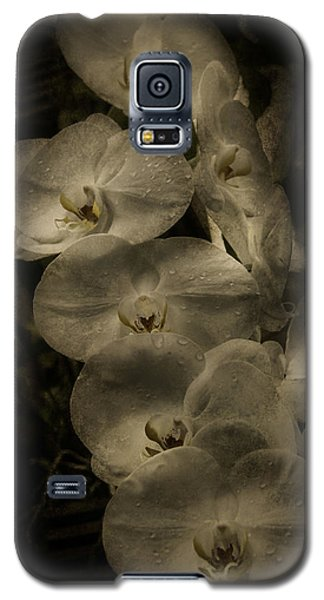 Galaxy S5 Case featuring the photograph White Textured Flowers by Ryan Photography