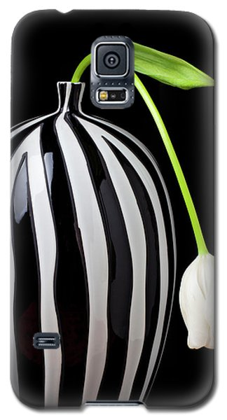 White Tulip In Striped Vase Galaxy S5 Case by Garry Gay