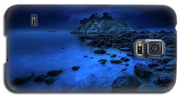 Galaxy S5 Case featuring the photograph Whytecliff Dusk by John Poon