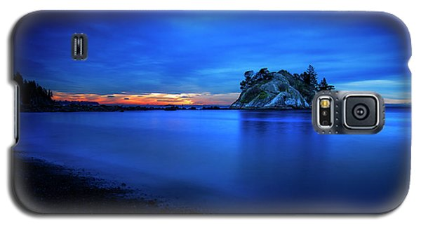 Galaxy S5 Case featuring the photograph Whytecliff Sunset by John Poon