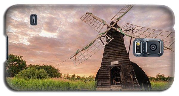Wicken Wind-pump At Sunset II Galaxy S5 Case