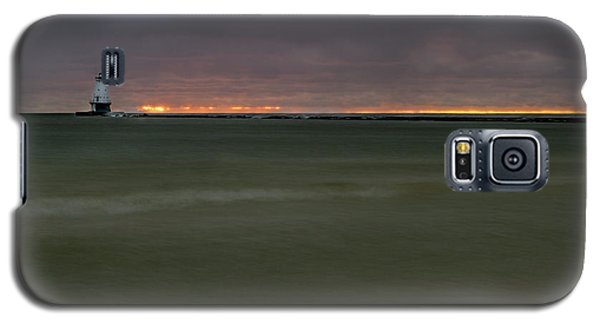 Wide View Of Lighthouse And Sunset Galaxy S5 Case
