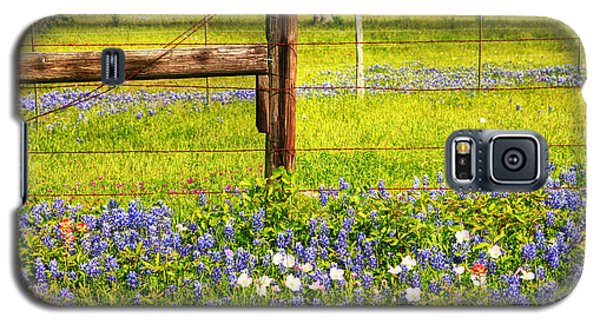 Wild Flowers And A Fence Galaxy S5 Case