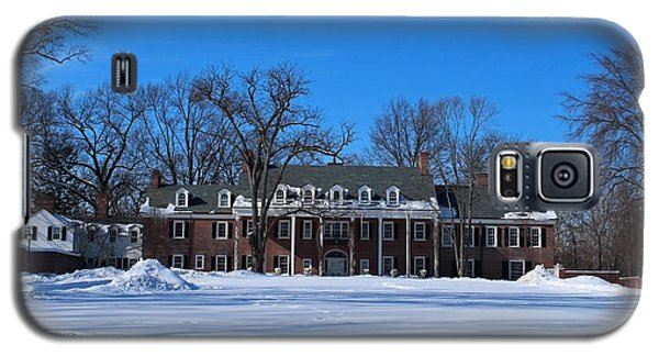 Galaxy S5 Case featuring the photograph Wildwood Manor House In The Winter by Michiale Schneider