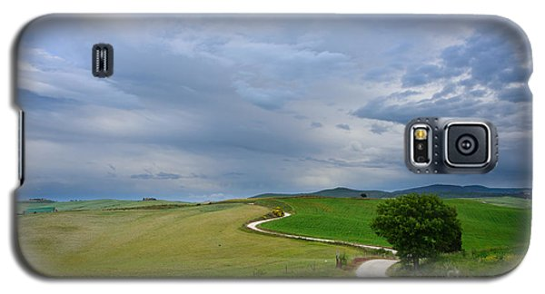 Winding Road To A Destination In A Tuscany Landscape Galaxy S5 Case