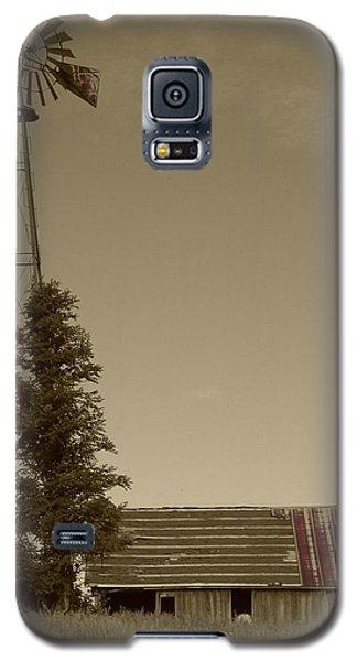Galaxy S5 Case featuring the photograph Windmill II by Dylan Punke