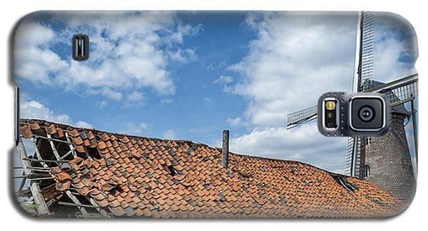 Windmill In Belgium Galaxy S5 Case