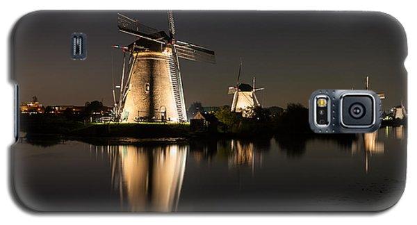 Windmills Illuminated At Night Galaxy S5 Case
