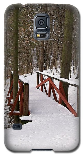 Galaxy S5 Case featuring the photograph Winter Crossing by Sara  Raber
