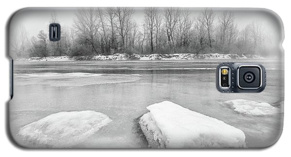 Galaxy S5 Case featuring the photograph Winter by Davorin Mance