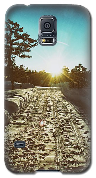 Winter Driveway Sunset Galaxy S5 Case