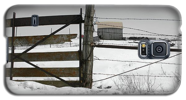 Galaxy S5 Case featuring the photograph Winter Fence Farm by Dylan Punke