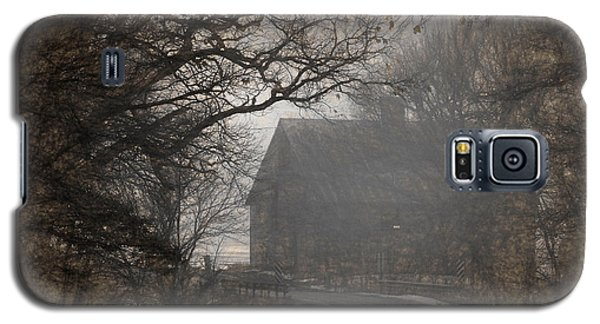 Winter Foggy Countryside Road And Barn Galaxy S5 Case