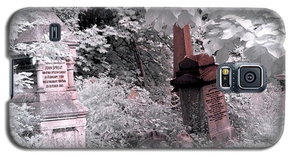 Winter Infrared Cemetery Galaxy S5 Case