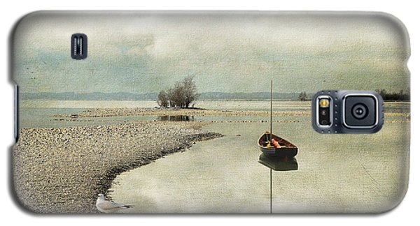 Winter Morning By The Lake Galaxy S5 Case by Chris Armytage