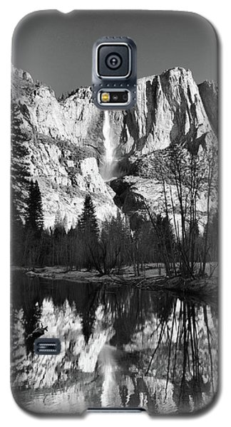Galaxy S5 Case featuring the photograph Winter Reflections - Yosemite by Stephen  Vecchiotti