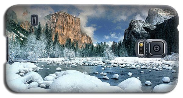 Galaxy S5 Case featuring the photograph Winter Storm In Yosemite National Park by Dave Welling