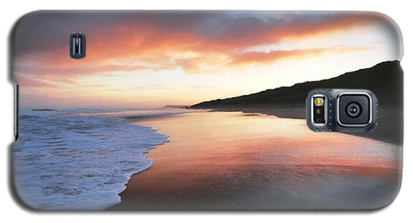 Galaxy S5 Case featuring the photograph Winter Sunrise by Roy McPeak