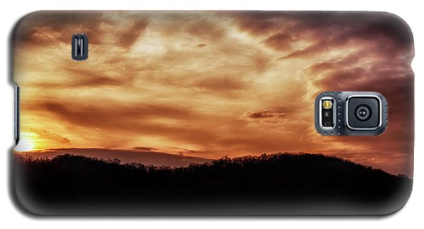 Galaxy S5 Case featuring the photograph Winter Sunset by Thomas R Fletcher